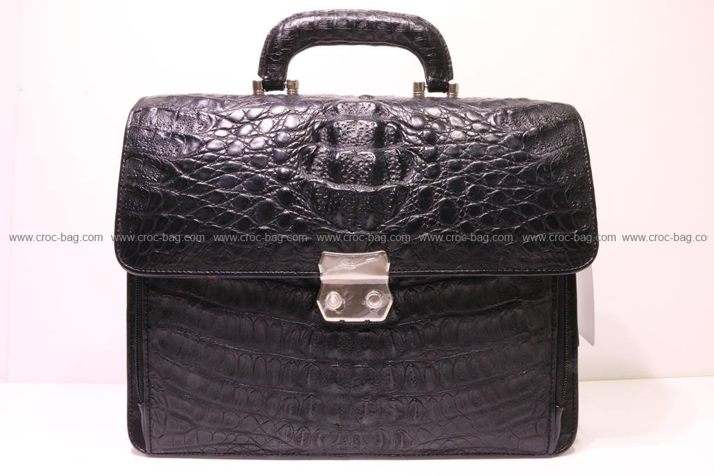 กระเป๋าเอกสารหนังจระเข้สำหรับคุณผู้ชาย 086а