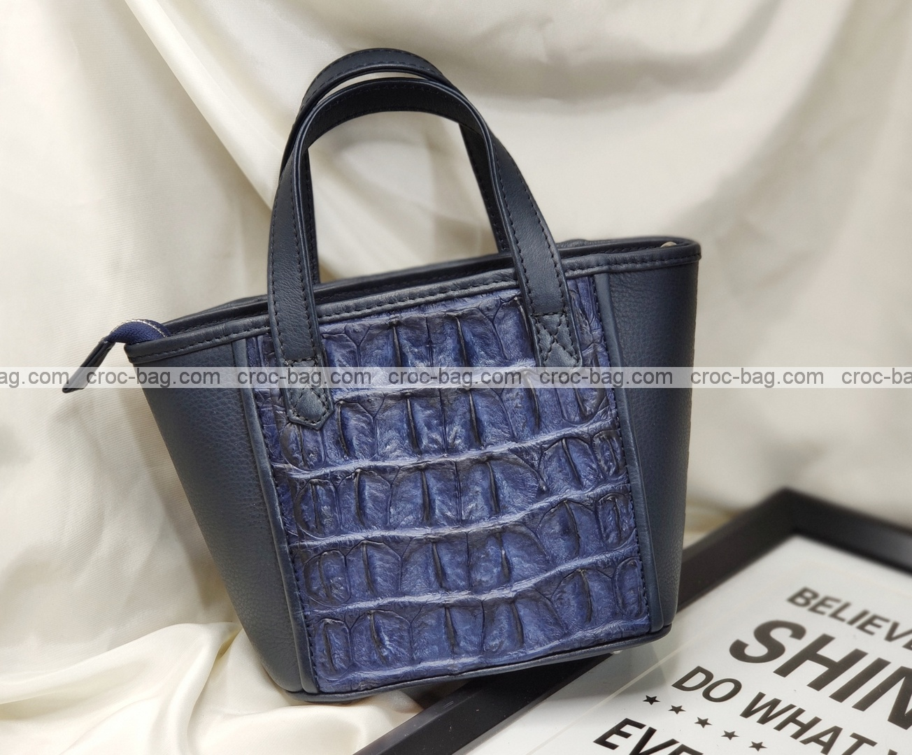 กระเป๋าหนังจระเข้สำหรับผู้หญิง 5467